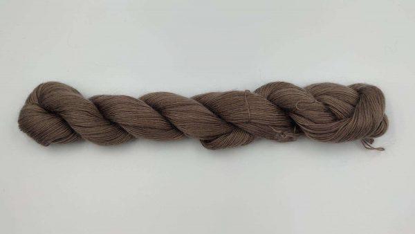 1 trådet kidmohair garn taupe