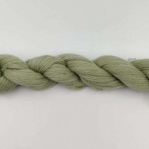 1 trådet kidmohair garn tegrøn