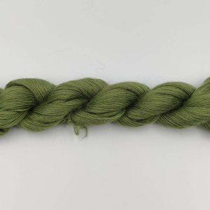 1 trådet kidmohair garn oliven