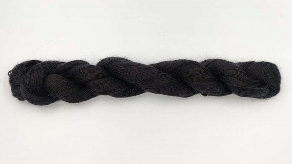 1 trådet kidmohair garn sort