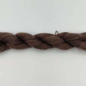 1 trådet kidmohair garn meleret mørkbrun